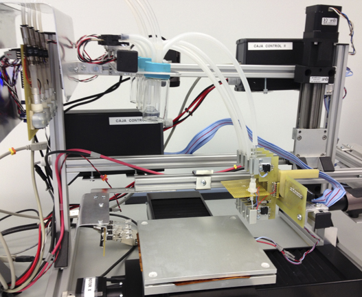 "This printer, designed by CSIC scientists, uses an ""ink"" composed of the materials that will form the nanolayer."